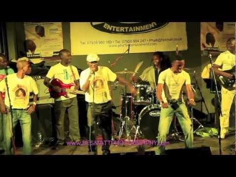 Alick Macheso-petunia Live 2013 video