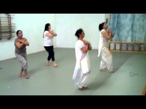 Rhythms Of India - Chitte Suit Te Practice - South Everett 2010-08-15 video