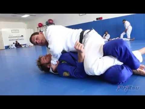 Roger Gracie: Ezekiel choke tutorial