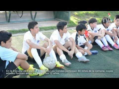 Jugadores visitan Escuela de Fútbol Colo-Colo