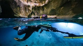 Metal Detecting Bahamas Most FAMOUS Underwater CAVE!! (rings found)