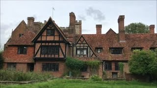 Pink Floyd's ABANDONED mansion (FROZEN IN TIME)