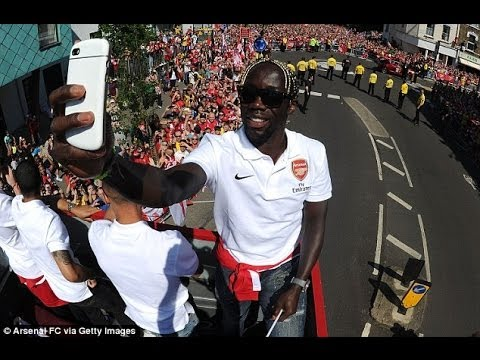 Bacary Sagna on brink of signing for Man City after agreeing £150,000-a-week deal