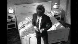 Watch Rod Stewart Another Heartache video