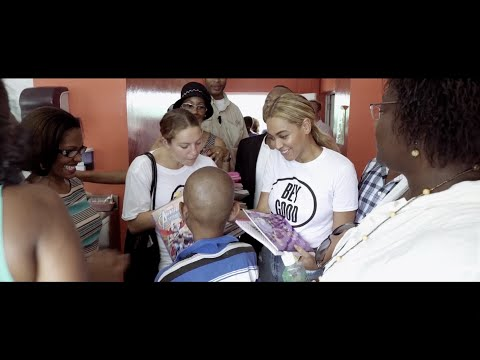 Beyoncé visits Children's Hospital in Haiti