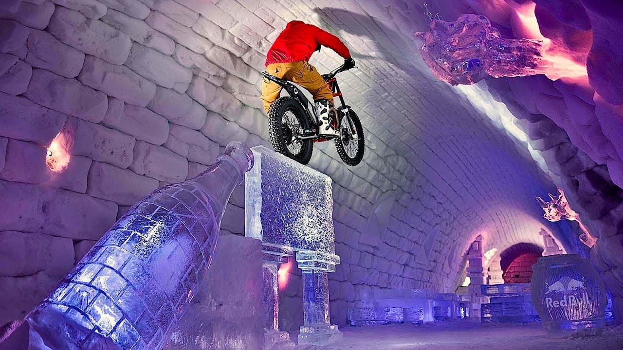 Il se balade à moto trial dans un hôtel de glace