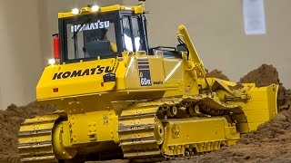 RC dozer ACTION! Nice R/C construction machines at work!