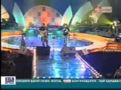 Iwan Fals & Ari Lasso   Hampa Live)