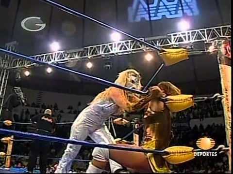 AAA: Fabi Apache vs. Sexy Star, 2009/12/11 [hair vs. hair]