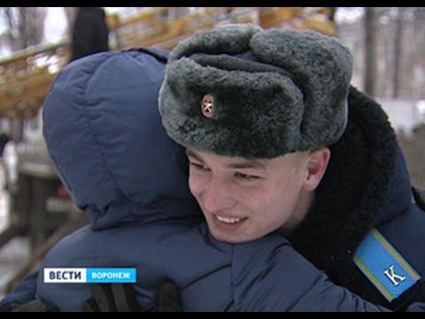 Курсант военно-воздушной академии спас из пожара на Космонавтов двух детей