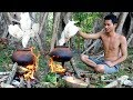 Primitive Technology : Find Roster Chicken In Forest   Cooking Chicken Sour Soup Eating Delicious