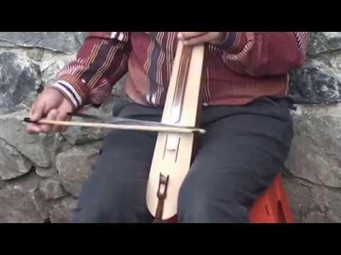 Sümela Manastırında Küçük Kemençe Şov,Fiddle Show At The Sumela Monastery
