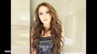 Olla ramlan hot artis indonesia
