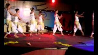 team moksh contemporary dance performance for Bombay theme music