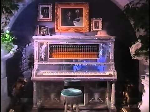 Liberace: Too Much of a Good Thing is Wonderful