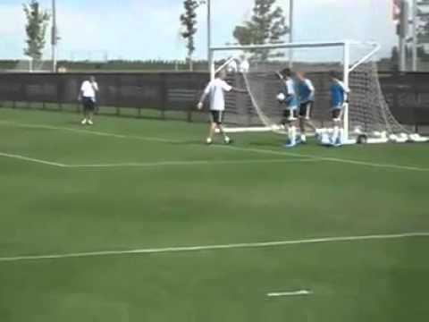 Zidane Humilla A Arquero Del Madrid Castilla