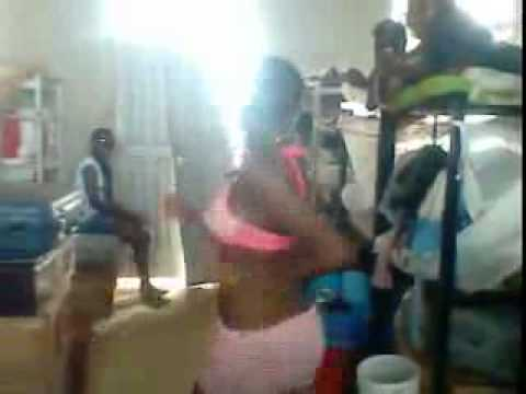 Kumasi girls dancing