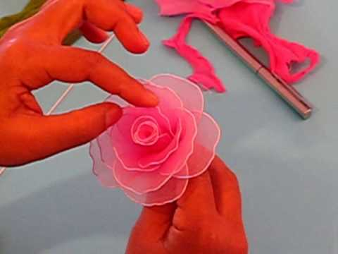 Fabrication d'une rose en collant / Nylon Rose Music Videos