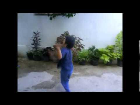 رقص أجنبي طفل صغير thumbnail