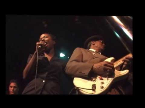 Hubert Sumlin at Chicago Blues, NY 2000 Part 4.