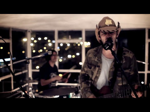 (HD) ALGUACIL☆ FEAT. PIH POH / REFUGIADOS : AMPLIFICADO.TV (COLOMBIA)