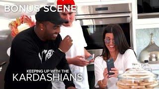 KUWTK | Kourtney Kardashian Accidentally Snapchats From Friend's Phone! | E!