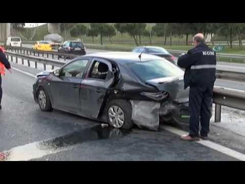 TEM'de Kaza: 4 Polis Yaralandı