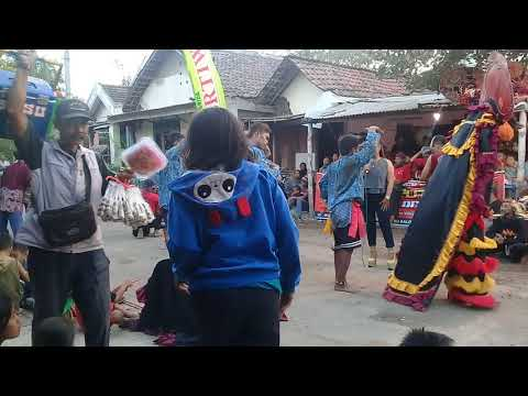Download Lagu Wijoyo Putro Original Lagu Bidadari Kesleo Voc  Wulan & Putri Terbaru Live  Wates T Anom Nganjuk 201 MP3 Free