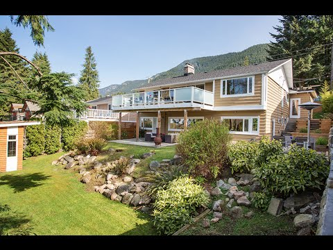 651 Montroyal Boulevard, North Vancouver, BC - Listed by David Matiru & Eric Langhjelm