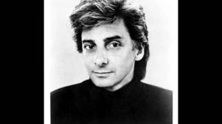 Watch Barry Manilow Just Remember I Love You video