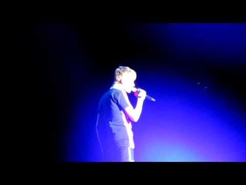 Down To Earth- Justin Bieber Mexico 1 Oct. video
