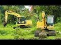 Swamp Excavator Komatsu PC130F Digging Pond
