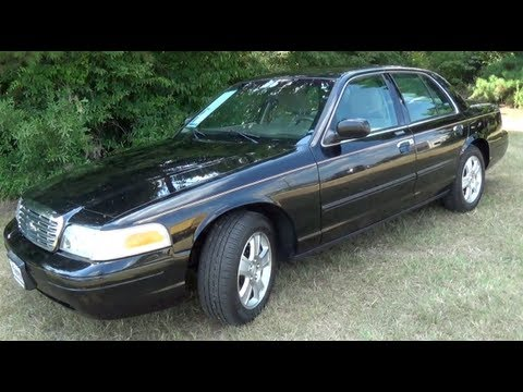 2011 Ford Crown Victoria LX Startup, Exhaust, Interior & Exterior Tour and Test Drive
