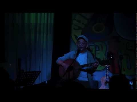Gary Granada Performing Bahay Live At 70's Bistro video