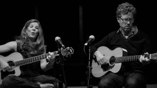 Watch Dar Williams Mortal City video