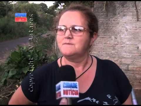Mulher fala sobre aparição de Imagem de santa em árvore