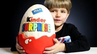 Giant Kinder Surprise Egg made of Play-Doh