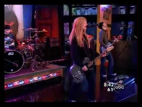 Avril Lavigne - My Happy Ending Live On Good Morning America video