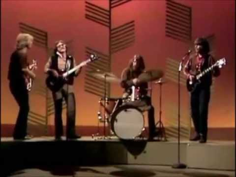 Bad Moon Rising - Creedence Clearwater Revival (hq - 5.1 Studio ) video