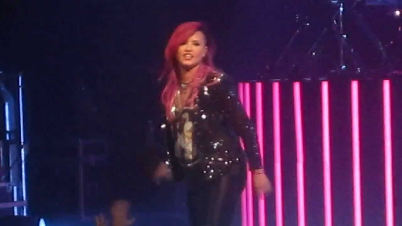 Really Don T Care Demi Lovato Toyota Oakdale Theatre 3