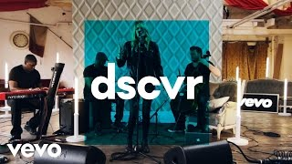Laura Doggett - Into The Glass - Vevo dscvr (Live)