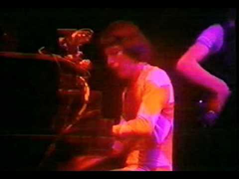 Queen - Killer Queen Good Old-Fashioned Lover Boy Youre My Best Friend  1977