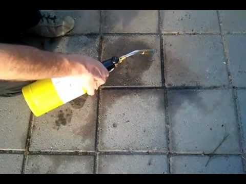 how to take off oil stains on driveway