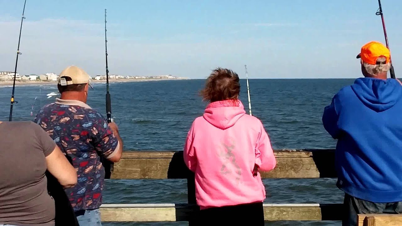 10 31 15 spot run on seaview fishing pier on north topsail for Seaview fishing pier facebook
