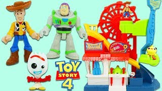 Disney Pixar Toy Story 4 Woody VS Buzz Lightyear in Forky's Game Show for Surprise Toys!