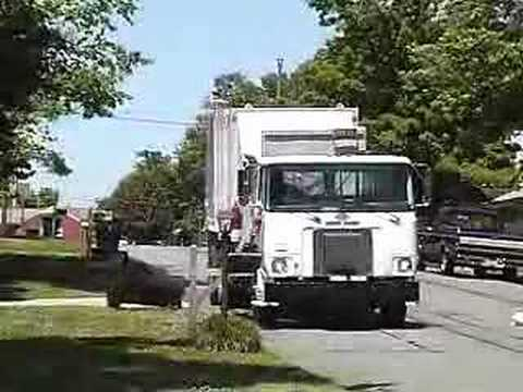 Heil Python ASL garbage truck 1 Video