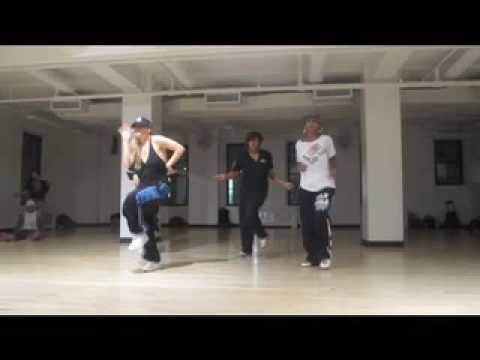 Luam and Laure from France teach collabo dancehall class