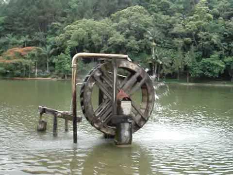 Roda d'água do Parque Malwee