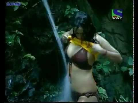 Kashmira Shah Hot In Big Boss Tv Show video