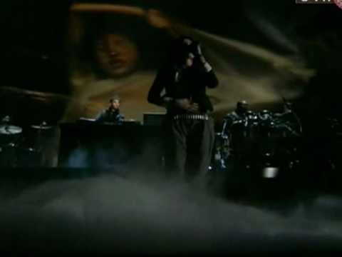 Grammy Awards 2011 -  i Need A Doctor Only - Dr. Dre, Eminem, Skylar Grey video